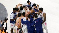 Los jugadores del Real Madrid, tras un partido. (ACB Photo))