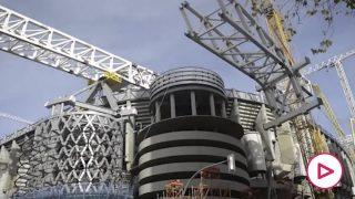 Trabajos en la cubierta del Nuevo Bernabéu.