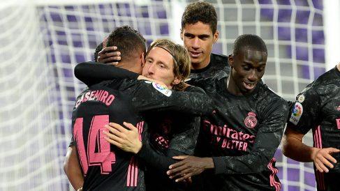 Los jugadores del Real Madrid celebran el gol de Casemiro. (Getty)