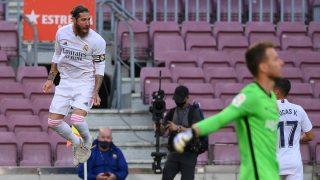 Sergio Ramos celebra su gol en el Clásico. (AFP)