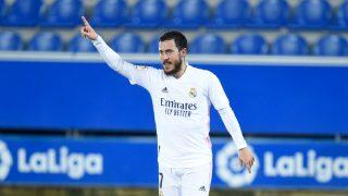 Eden Hazard celebra un gol contra el Alavés (Getty).