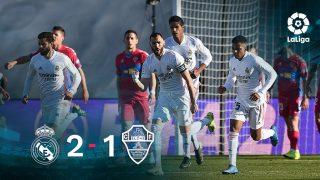 Un doblete de Benzema dio el triunfo al Real Madrid ante el Elche.