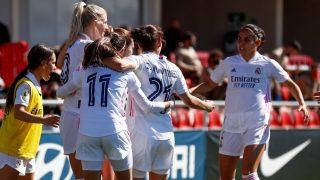 Las jugadoras del Real Madrid Femenino celebran el tanto de Sofía Jakobsson. (@realmadridfem)