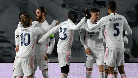 Sergio Ramos celebra su gol en el Real Madrid-Atalanta. (AFP)