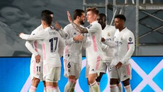 La plantilla del Real Madrid celebra uno de los goles contra el Atalanta (EFE).