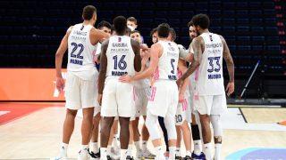 Los jugadores del Real Madrid celebran su victoria en Estambul ante Efes (Euroleague)