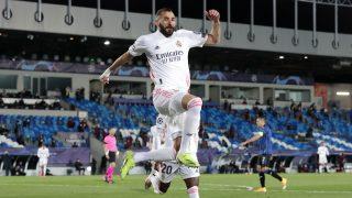 Benzema celebra un gol contra el Atalanta (Getty).