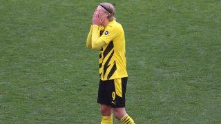 Haaland se lamenta durante el partido del Borussia Dortmund ante el Eintracht (Getty)