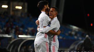 Lucas Vázquez celebra el gol de Asensio en el Real Madrid-Liverpool. (AFP)
