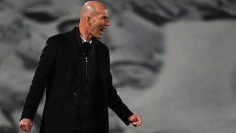 Zidane, durante el Clásico de Valdebebas. (AFP)