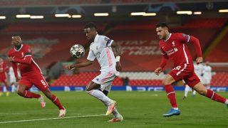 Vinicius acelera en el Liverpool-Real Madrid. (Getty)