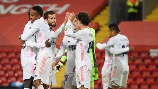 Los jugadores del Real Madrid celebran el pase a semifinales (AFP).