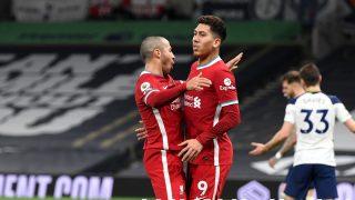 Thiago y Firmino, en un partido del Liverpool. (Getty)