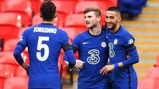 Ziyech celebra el gol con sus compañeros. (Getty)