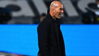 Zidane durante un partido con el Real Madrid. (AFP)