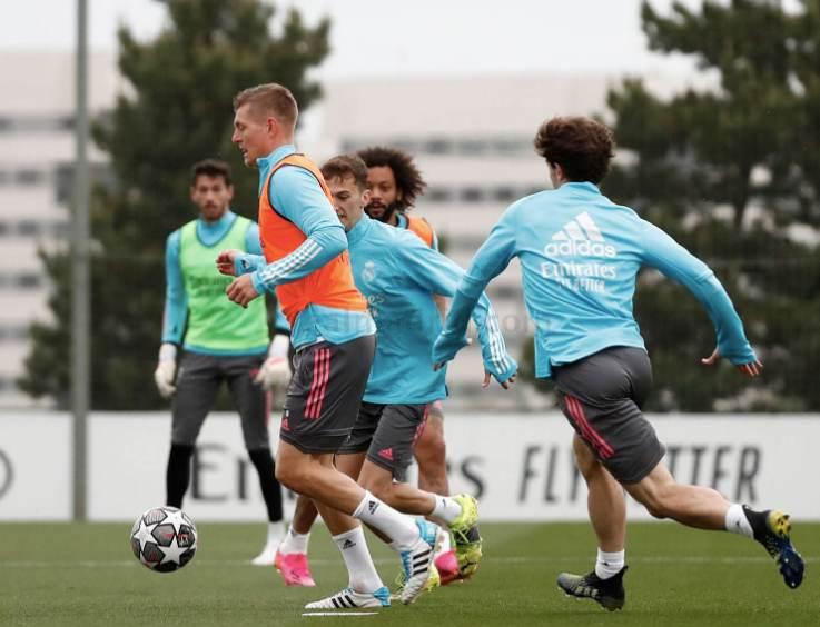 Kroos vuelve con el grupo y apunta al Chelsea