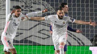 Benzema celebra el 1-1 en el Real Madrid-Chelsea. (AFP)