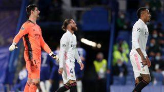 Los jugadores del Real Madrid, tras encajar el segundo gol del Chelsea (Getty).