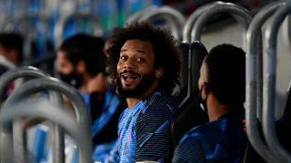 Marcelo, en el banquillo durante un partido del Real Madrid. (AFP)