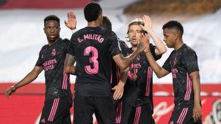 Los jugadores del Real Madrid celebran el tanto de Luka Modric. (AFP)