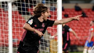 Luka Modric celebra el gol ante el Granada (Getty).