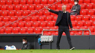 Zidane, durante un partido con el Real Madrid. (AFP)