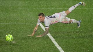 Kroos, durante un partido con el Real Madrid. (AFP)