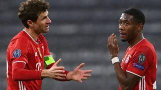 Thomas Müller y David Alaba durante un partido del Bayern de Múnich. (AFP)
