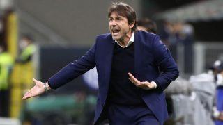 Antonio Conte da instrucciones durante un partido del Inter (Getty)