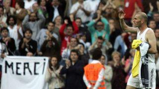 Zidane se despide del Bernabéu el día de su retirada en 2006. (AFP)