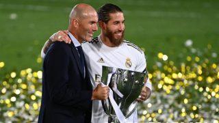 Zinedine Zidane y Sergio Ramos. (AFP)