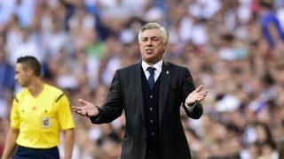 Ancelotti, en un partido en el Bernabéu. (AFP)
