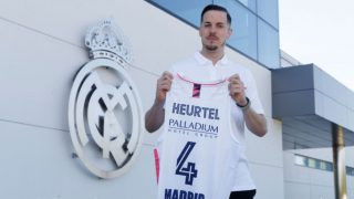 Heurtel, con la camiseta del Real Madrid.