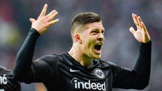 Jovic celebra un gol en el año de su explosión en el Eintracht. (AFP)