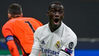 Mendy, en un partido con el Real Madrid. (AFP)