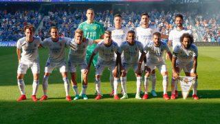 Los jugadores del Real Madrid forman antes del partido ante el Rangers (Realmadrid.com).