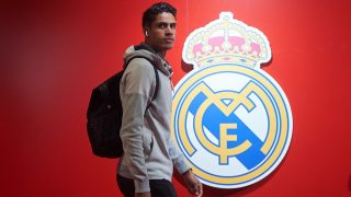 Raphael Varane sale definitivamente del Madrid.