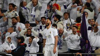 Benzema se lamenta tras una ocasión en el Santiago Bernabéu. (AFP)