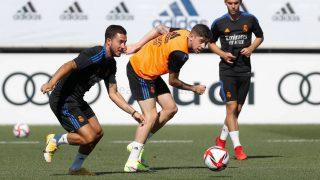 Eden Hazard y Fede Valverde.