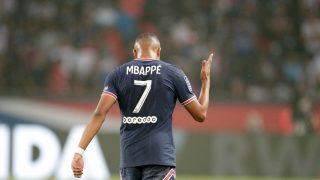 Mbappé celebra su gol al Estrasburgo. (AFP)