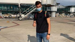 Pedro Ruiz en el aeropuerto de Marsella.
