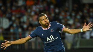 Mbappé celebra un gol con el PSG (AFP)