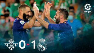 Carvajal y Benzema celebran el 0-1 en el Betis-Real Madrid.