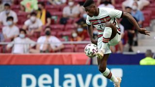 Nuno Mendes, durante un partido con la selección de Portugal. (AFP)