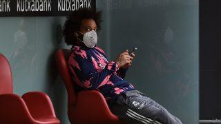 Marcelo, en el banquillo, antes de un partido del Real Madrid (Getty).