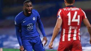 Rudiger, ante Marcos Llorente en un Chelsea-Atlético de Champions. (AFP)