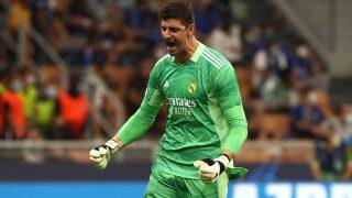 Courtois celebra la victoria del Real Madrid ante el Inter en Champions (Getty)