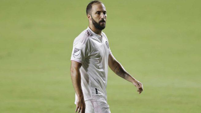 Higuaín y su anécdota 'fake' en el Madrid: «Meto 26 goles, Cristiano 27… y traen a Kaká y Benzema»