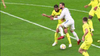 Raúl Albiol cometió un penalti clarísimo sobre Nacho Fernández.