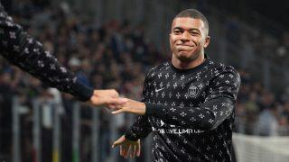 Mbappé, antes de un partido del PSG. (AFP)